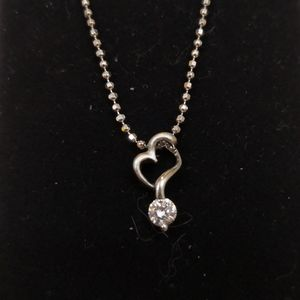 Like new heart necklace